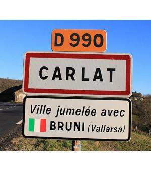 Carlat jumelé avec Bruni, Cantal, France, ©a7.idata.over-blog.com