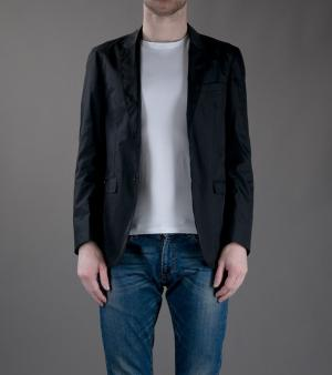 Veste noire Burberry London à 595 euros